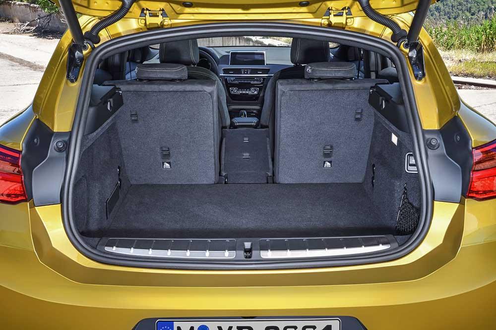 Вместительное багажное отделение авто