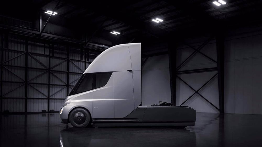 Тягач Tesla Semi