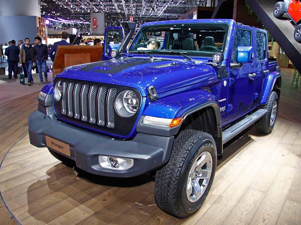 Четырёхдверный Jeep Wrangler