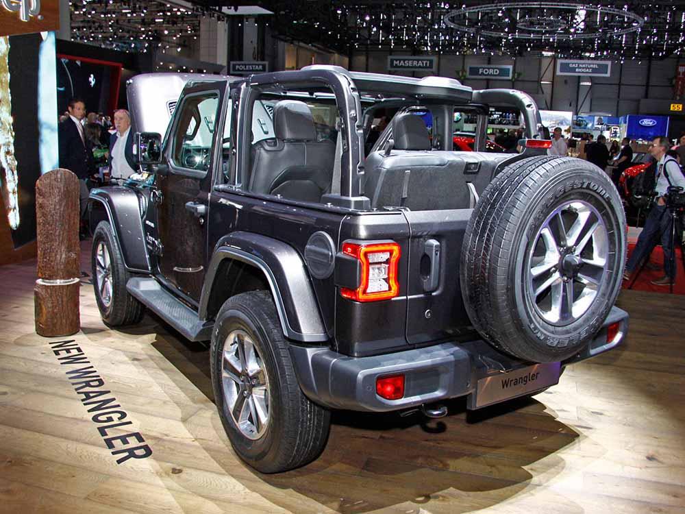 Двухдверный Jeep Wrangler