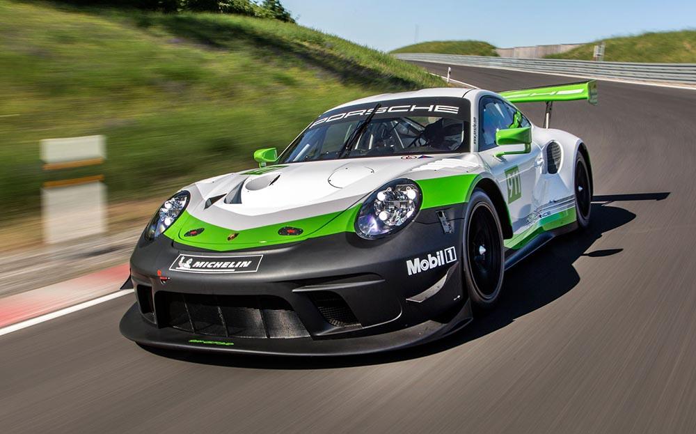 Гоночный автомобиль Porsche 911 GT3 R