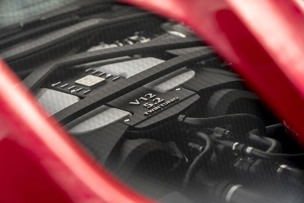 Мощный 5,2-литровый двигатель
