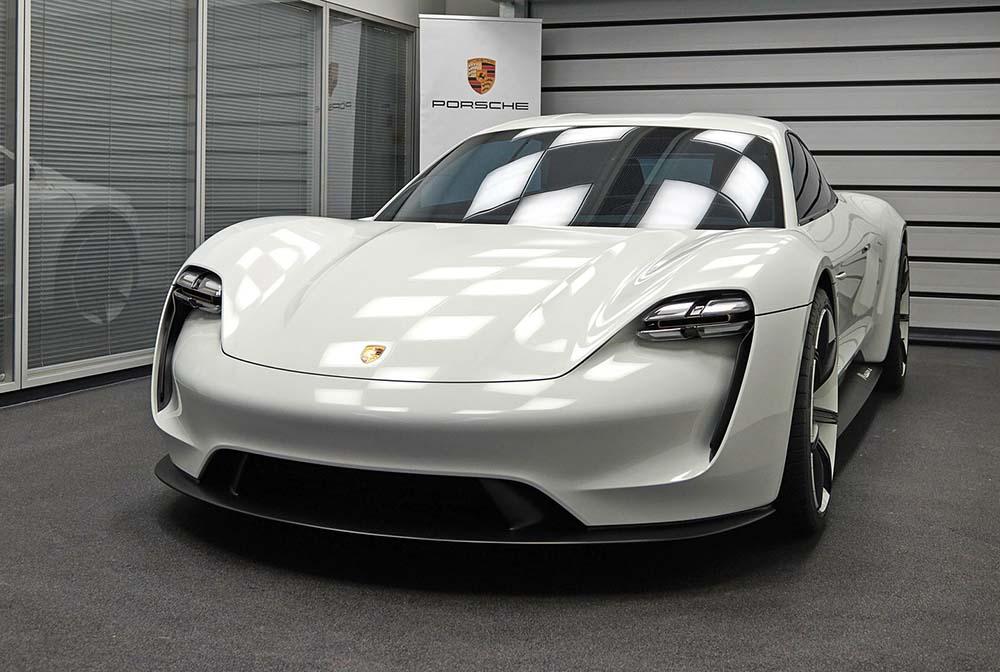 Новый электрический спорткар является воплощением свободы