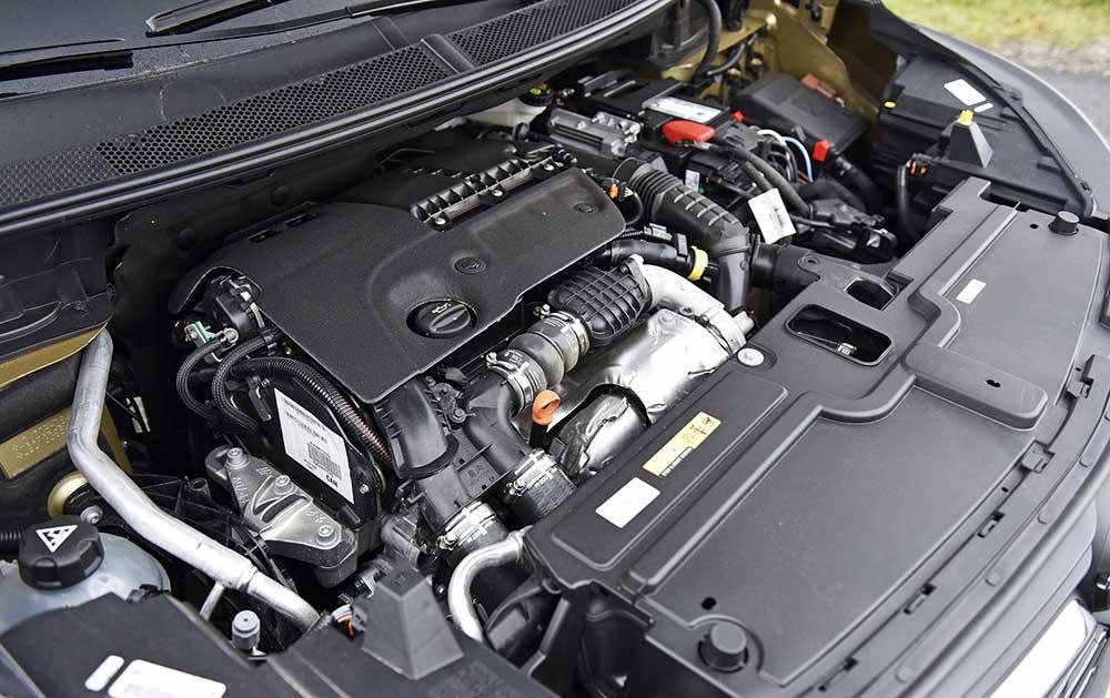 Основой плагин-гибрида будет бензиновый двигатель