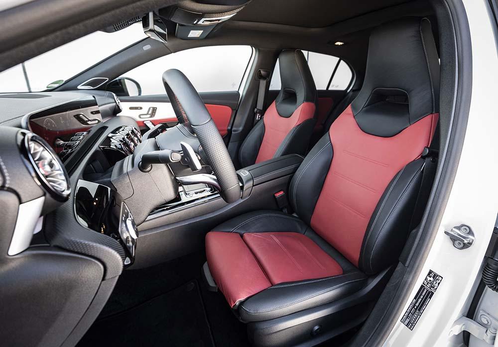 Салон версии Mercedes Benz A180d