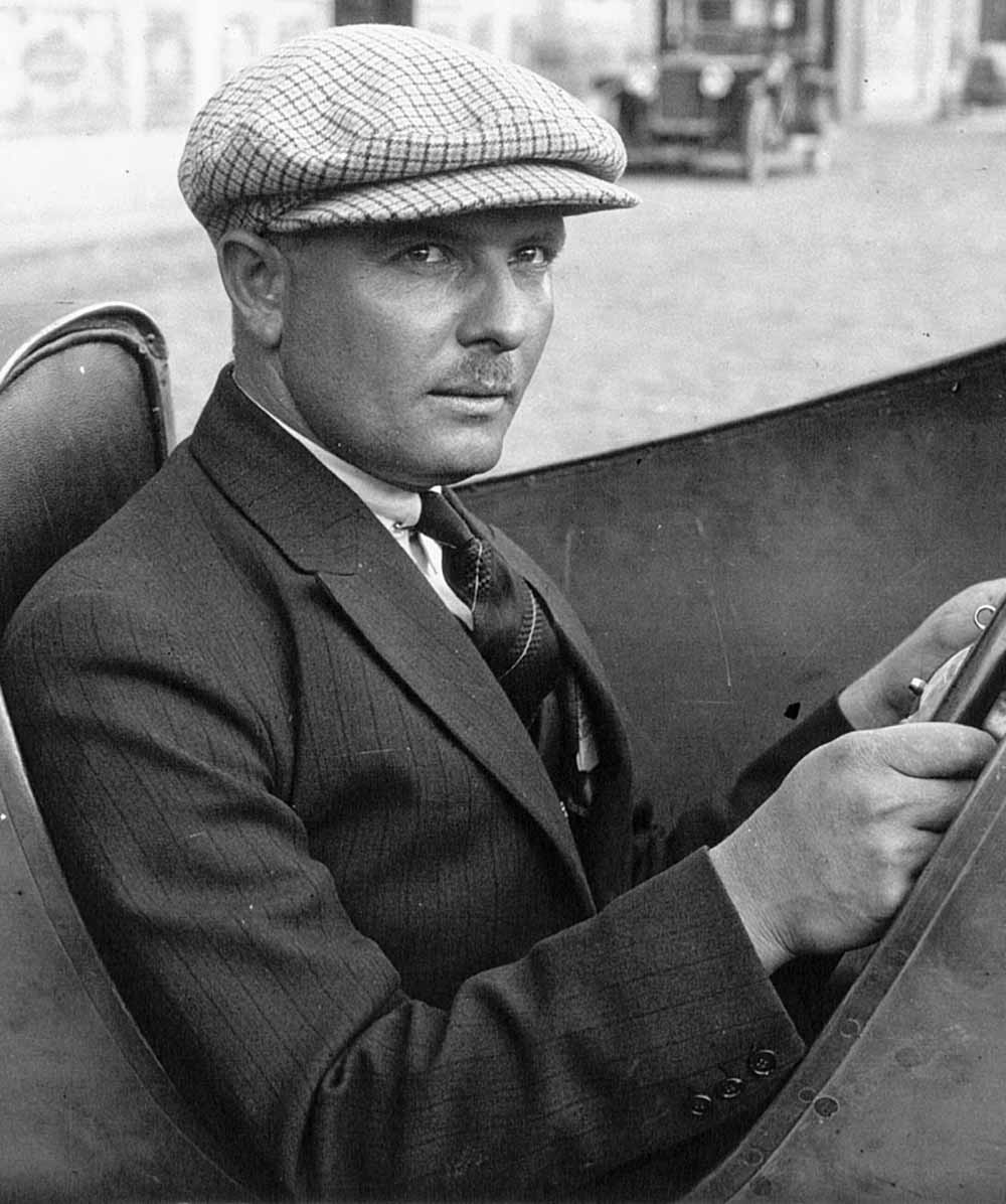 Знаменитый французский гонщик Альберт Диво